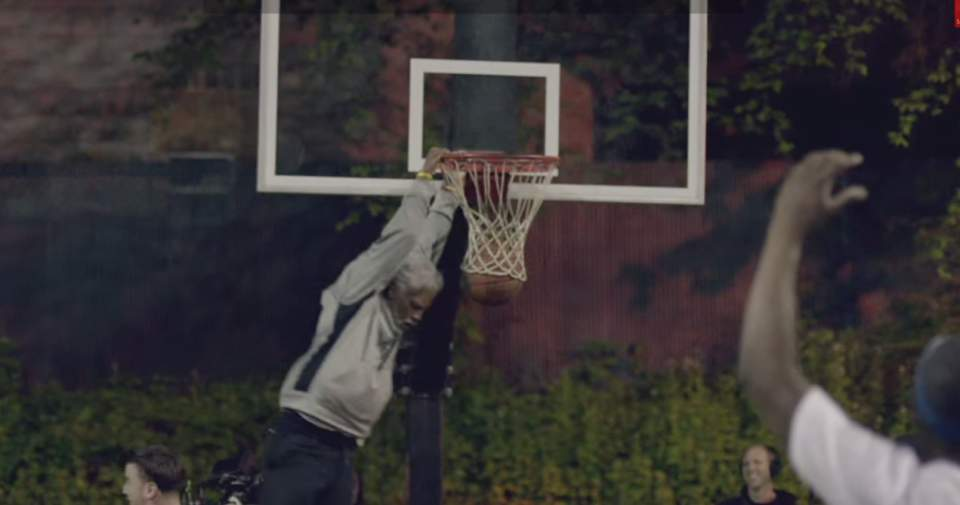 バスケ界に新生あらわる!史上最強の老人コンビが、ストバスの若者を滅多打ちにする。その正体は…。 15番目の画像