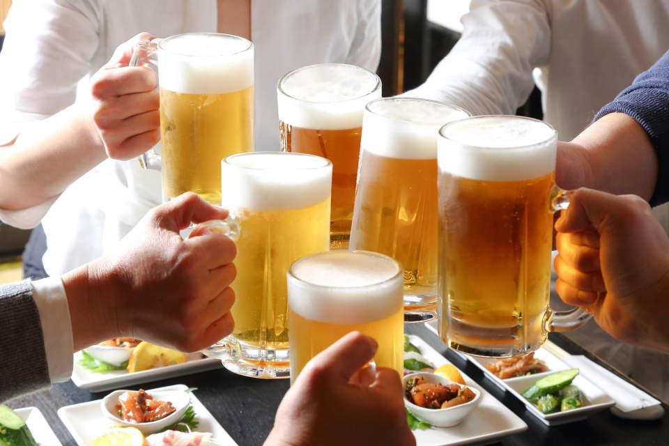 飲み会を制する者は仕事を制する!知っておくべき飲み会マナー&上司を気持ち良くさせるテクニック3選 9番目の画像