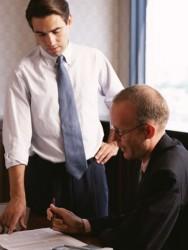上司と部下の板挟み!中間管理職のあなたがストレスを溜めずに部下とうまく付き合う方法