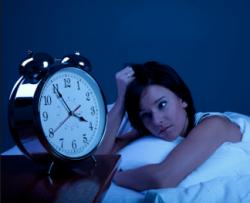 """【自分は大丈夫という人が一番大丈夫じゃない!】どんなに寝ても疲れが取れない人は""""かくれ不眠""""かも!?"""