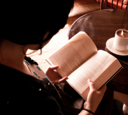 【20代でやり損ねたら後悔する】読書力をつけるために20代で苦労してでも読むべき古典4選