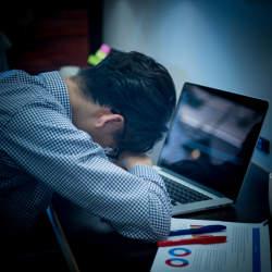 【こんな職場で働きたくない!】ストレスが溜まりやすくなるオフィスの3つの特徴