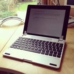 iPadをまるでMacBookのように使えちゃう!?機能性とデザインを兼ね揃えたキーボード3選