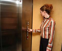 仕事でお客様をエレベーターまで見送りする際のマナー