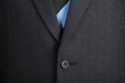 【スーツのマナー】上着のボタンの留め方