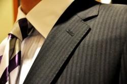 成功している営業マンが着ているスーツの柄とは?