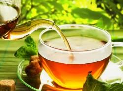 【社会人としての基礎!】会社で「お茶」を出す際のマナー