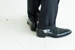「スーツに合わせて色を変える!」 - 営業マンが選ぶべき靴の色とは