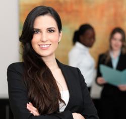 女性営業マンがスーツを選ぶ時に意識したい基本のポイント