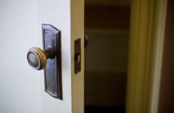 転職希望者は身につけておきたい、面接における入室時のマナー