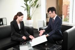 会社で上司や他社の人を紹介するときのマナー