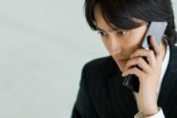 ビジネスの電話で相手を待たせるときのマナー