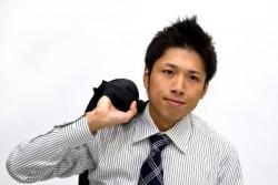 スーツを着る時の半袖シャツに関するマナー