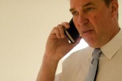夜分遅くに電話を掛ける場合のビジネスマナー