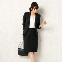 女性社員が気を付けたい、スーツを着るときのタイツのマナー