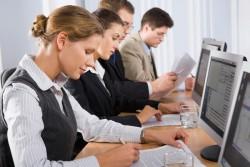 営業マンとしての評価を上げる!メールで見積もり書を送る際に意識しておくべきこと