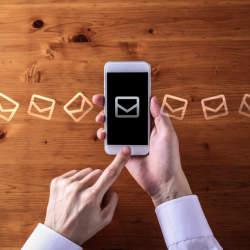 【宛名がポイント!】複数の上司に一括で送るメールの書き方