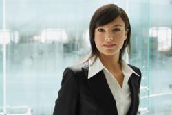 女性営業職が持つ男性営業職にはない強みとは?