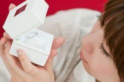 女性営業マンにとって結婚は仕事にどのような影響を与えるのか