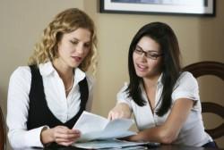 好印象を得るために女性営業マンが意識しておくべき服装のポイント
