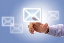 ビジネスメールの返信をするときに気を付けたい時間や内容のマナー