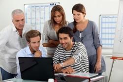 年上の部下と職場で良い人間関係を築いていく方法