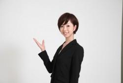 女性社員が気を付けたい美しい立ち方のマナー