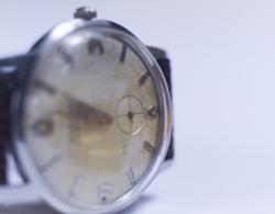 女性営業マンが時計を選ぶ時に押さえておきたい2つのポイント