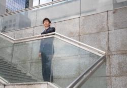 営業マンが転職する時の面接でつけるネクタイの選び方