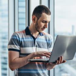 【報告メール・例文】上司に報告メールを送信するときのマナー