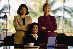 【身だしなみにも気配りを!】営業職の女性はスーツを何着持っておくべきなのか?