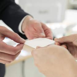 営業で名刺交換をしてもらえない人のための対処法