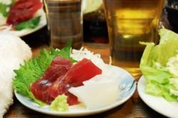 ビジネスの会食の際に渡す手土産の選び方・渡し方のマナー