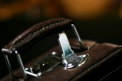 転職の面接の際に気を付けたい、持っていく鞄のマナー
