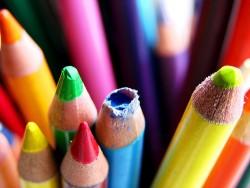 プレゼンに活かせる!色が与える心理的なイメージとその効果