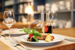 【最低限知っておきたい!】洋食のコース料理を食べる際のマナー