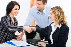 無駄な時間を過ごさないための、会社のミーティングで役立つ議題の決め方