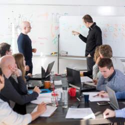 英語でのミーティングの調整を効率よく行なうための方法