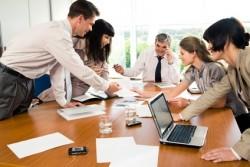 ミーティングを活性化させるために知っておきたい机と席の配置