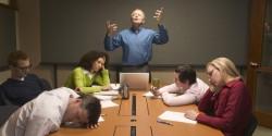 上司との人間関係に悩み、退職を考えている人におくる3つの改善方法
