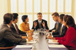 仕事を円滑に進めるためのミーティングに適切な時間