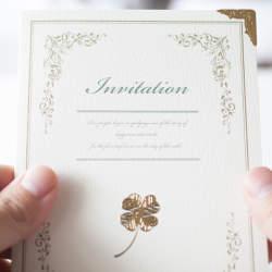 【職場の同僚・上司などの関係別】結婚式の招待状返信メッセージ文例集&書き損じの対処法