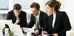 組織のコミュニケーションを円滑にする目的とそれによって得られるメリット