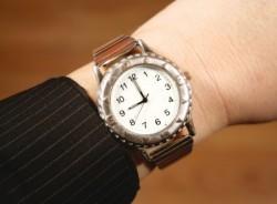 新入社員が身だしなみとして付ける腕時計のおすすめの選び方
