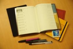 営業職のビジネスマンが持つと便利なおすすめの手帳