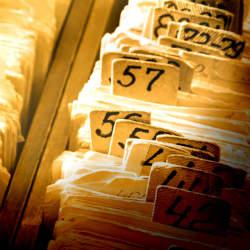 取引先の名刺を退職後に有効活用するための整理術と活用法