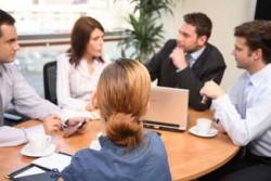組織が効率良く機能するために適性な人数と組織のあり方