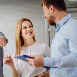 上司が部下を評価するときの効果的なコメント例:人事評価で部下のモチベーションを高めるコツとは?