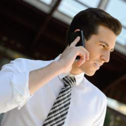 【例文付き】英語の電話対応で使えるビジネス英語フレーズ集