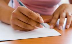 書類の送付する時に添付する案内状を書くときの書式